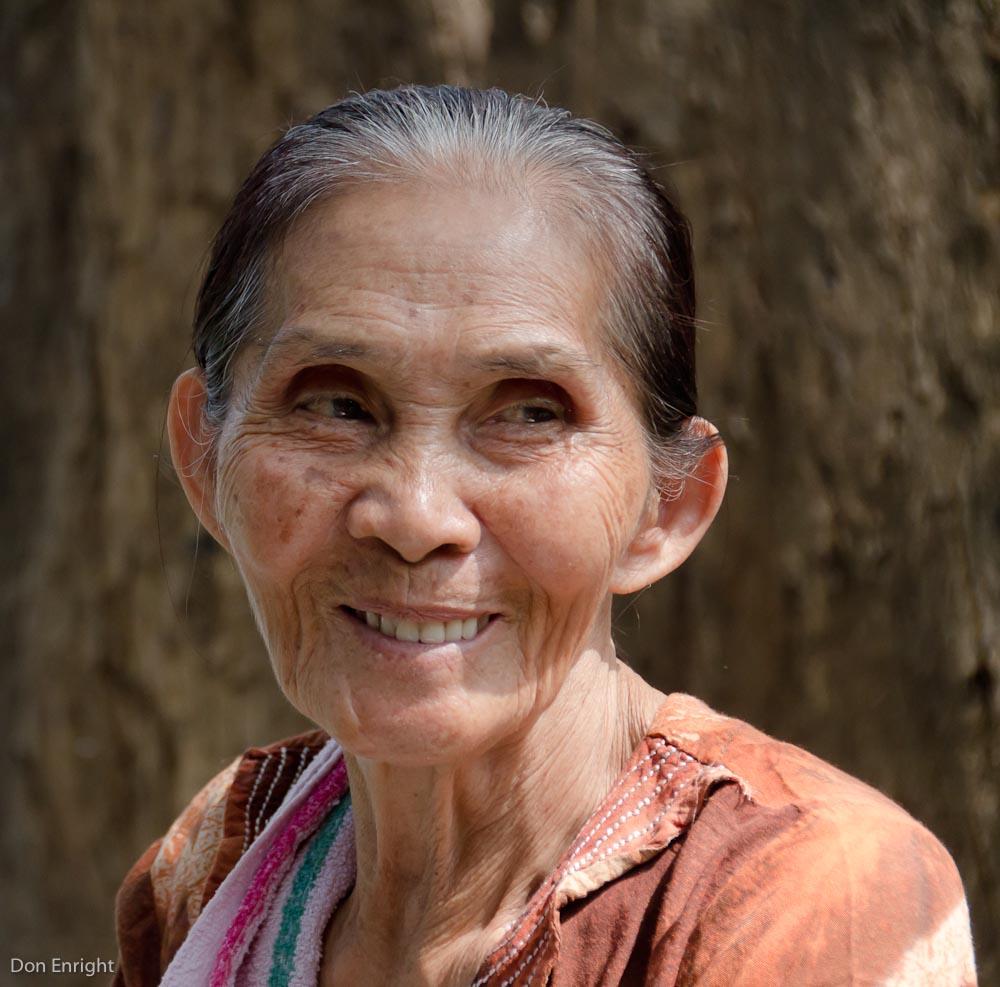 smiling woman, Manila