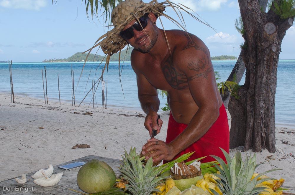 Guide Will, chopping fruit, Bora Bora